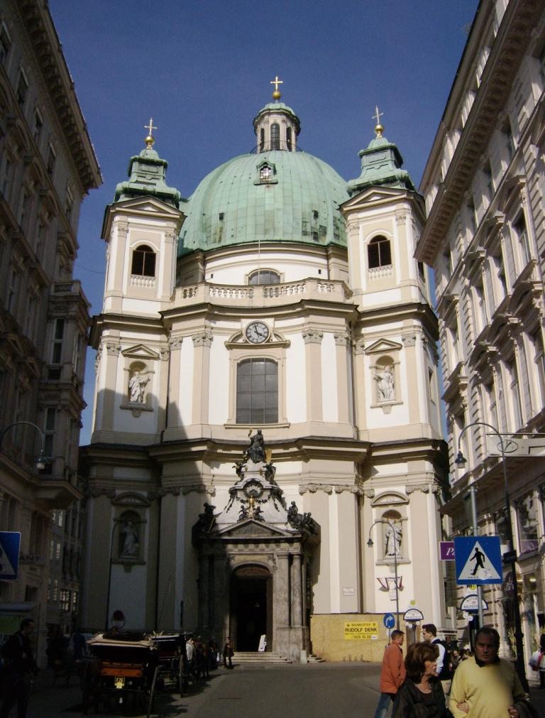 voorzijde St Peterskirche
